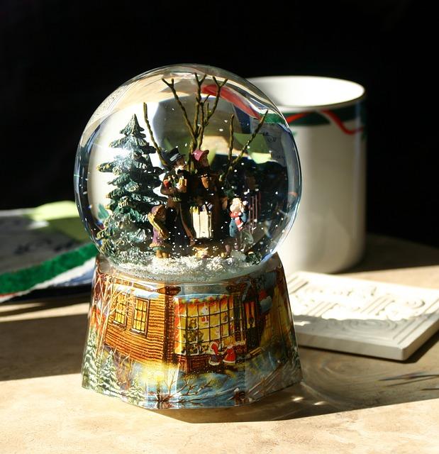 snow-globe-1699338_640